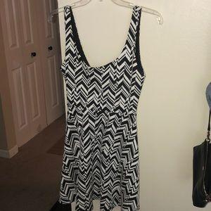Nordstrom Dresses - Adorable semi-formal dress for all seasons!